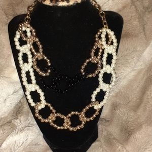 Jewelry - Necklace jet, perl, gold, black